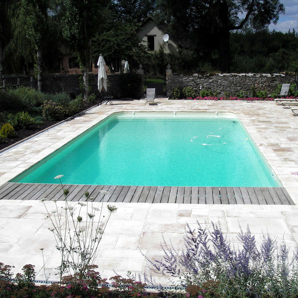 Constructeur de piscines hors sol ni vre nevers for Cout changement liner piscine